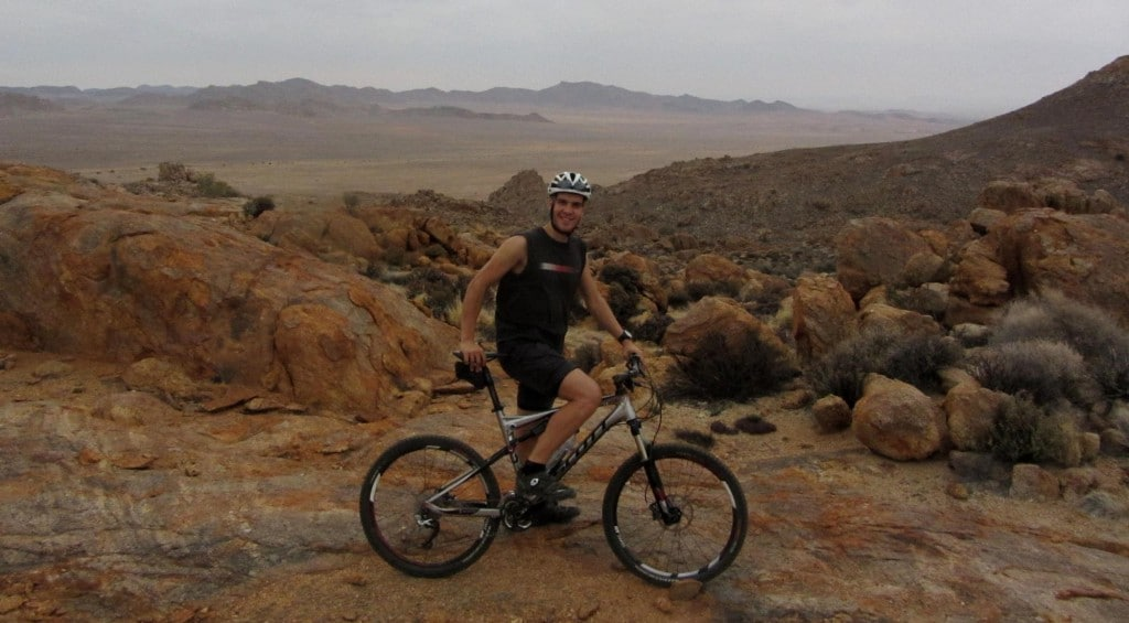 Auf einem gut gewarteten Scott-Mountainbike testete ich den Zustand meiner Waden.
