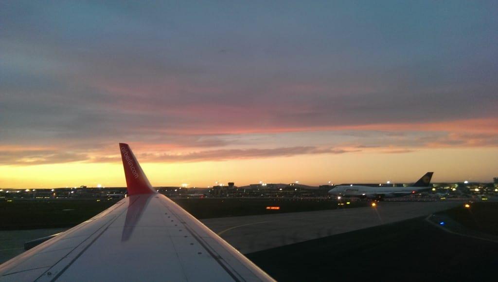 Abendstimmung auf dem Frankfurter Flughafen.